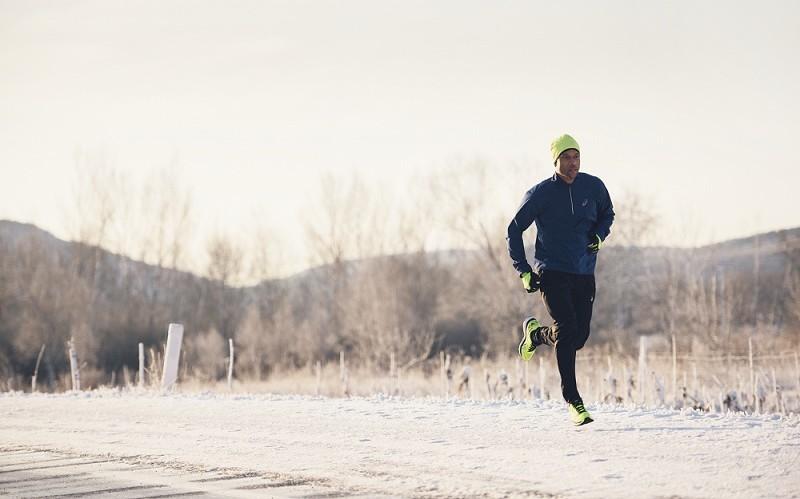 4d7b130d29034 Sal a correr este invierno con ASICS. Share. Publicado en Run. Run through  winter with ASICS