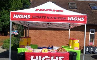 Stand de High5 en una maratón